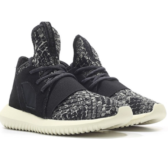 adidas tubuläre trotzig schlange stricken sneaker schwarz 7 28 gemeinden